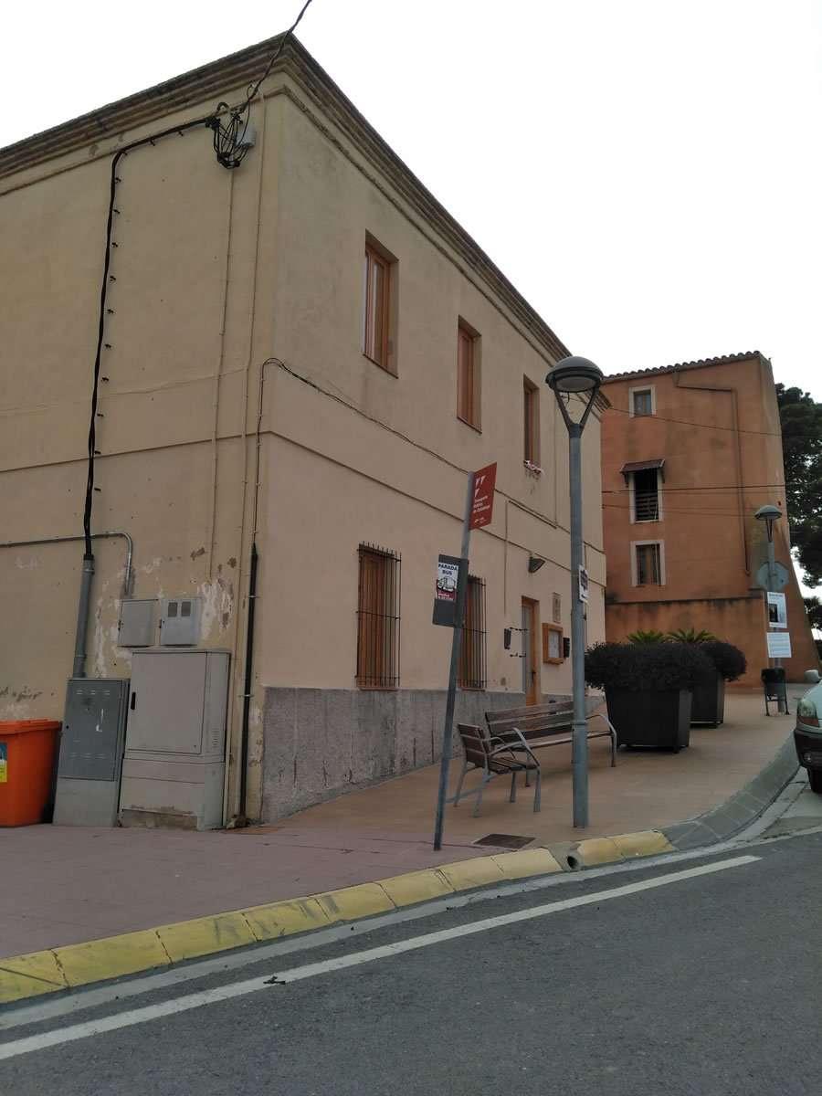 El Ayuntamiento de Renau adjudica a la empresa GESA, SL. la redacción del proyecto ejecutivo de actuación en diferentes espacios públicos y calles el municipio